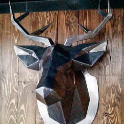 Голова оленя из металла